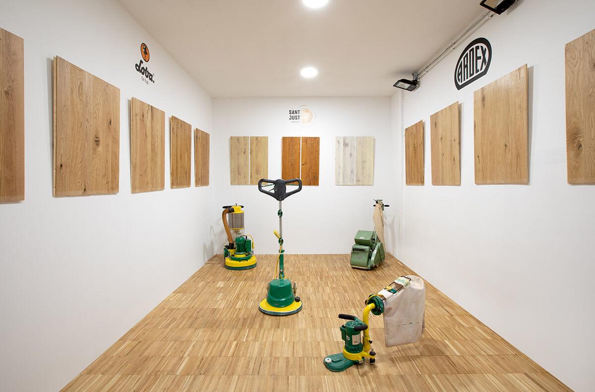 La sala de Sant Just Parquets con máquinas Lägler